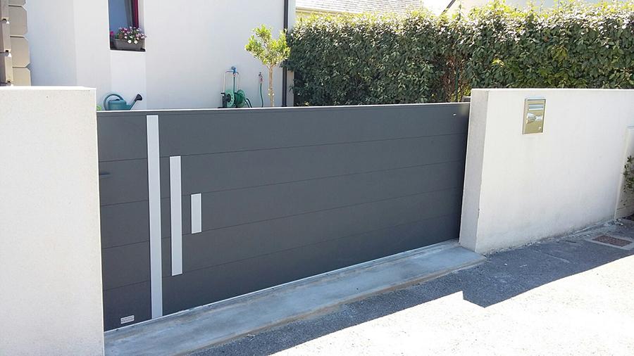 Choisir un portail en aluminium moderne pour sa maison contemporaine 255a6944a15c